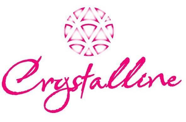 Das Logo von Crystalline Bridals. Dieser Brautkleid Hersteller ist bekannt für Brautkleider im Prinzessinnen Stil mit viel Glitzer und Tüll.