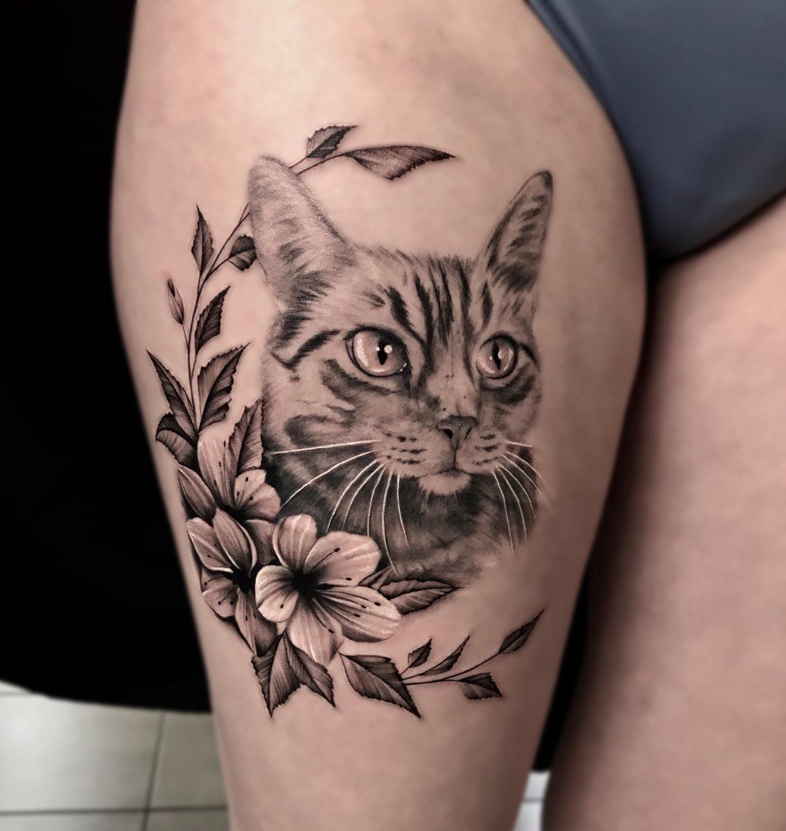 Du Bist Da Zu Hause Wo Deine Katze Wohnt: Selfmade Tattoo