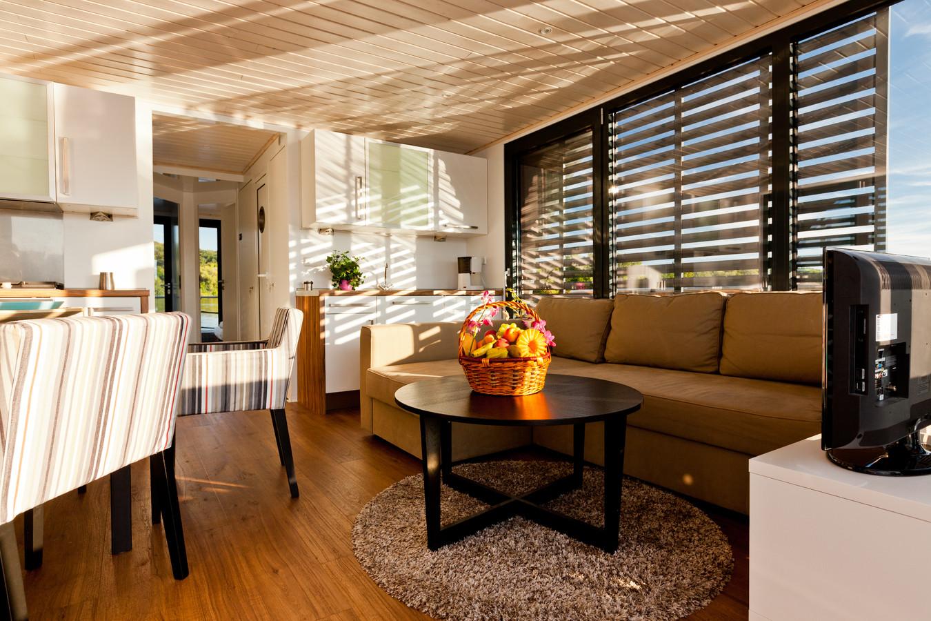nautilus hausbootcharter hausboot mieten in berlin. Black Bedroom Furniture Sets. Home Design Ideas