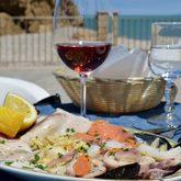 ein Glas Wein und frischer Fisch..so lassen wir unsere Reise ausklingen