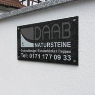Firmenschild Daab Natursteine