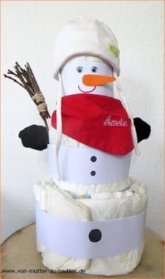 weihnachtliche Windeltorten aus Pampers, Windeltorte Schneemann, Windelschneemann selber basteln oder online bestellen, Windeltorte zu Weihnachten - hier finden Sie bestimmt etwas