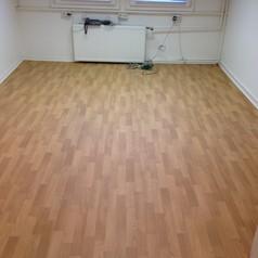 Hier sehen Sie die Auslegung eines Zimmers mit Laminat