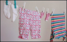 Checkliste Erstausstattung Baby Sommer und Winter. Welche Größe braucht das Baby zur Geburt?