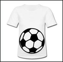 Fußball-Shirt für Schwangere, Umstandsshirt mit Fußball, lustige Umstandsmode mit Fußballmotiv