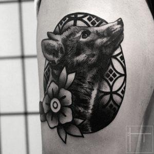Koukos Selfmade Tattoo Berlin blackwork linework fox animal blume flower abstract traditional