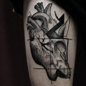 Koukos Selfmade Tattoo Berlin blackwork linework geometric art abstract vegan walkin tier heart