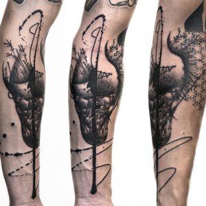 Koukos Selfmade Tattoo Berlin blackwork linework geometrie art abstract vegan walkin