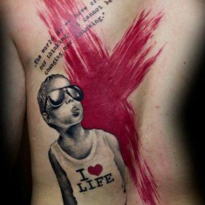 Selfmade Tattoo Berlin Zsofia Belteczky kreuz cross kind child