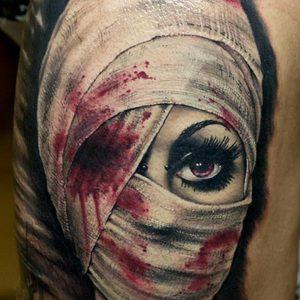 Selfmade Tattoo Berlin Zsofia Belteczky horror spooky blood