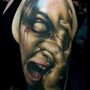 Selfmade Tattoo Berlin Zsofia Belteczky horror zombie