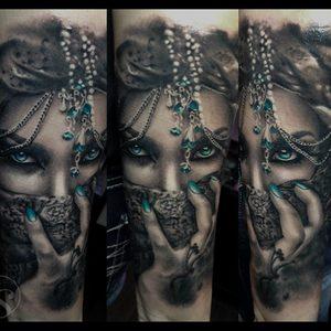 Selfmade Tattoo Berlin Zsofia Belteczky frau woman