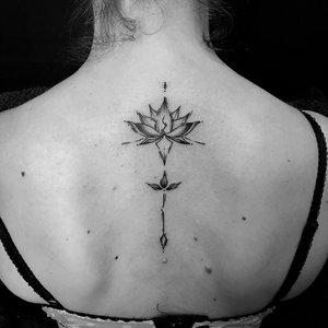 mandala, blume, flower, abstrakt, Bartek, Szulc, Selfmade, Tattoo, Berlin, Vegan, Realistic, Walkin
