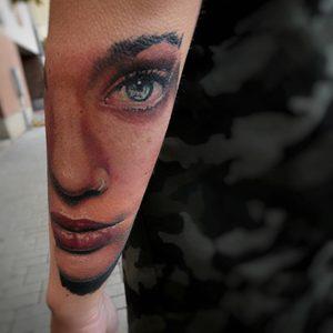 Selfmade Tattoo Berlin Kristof Tito Kondrat portrait color face eye mouth