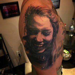 Selfmade Tattoo Berlin Kristof Tito Kondrat portrait smiley woman beauty