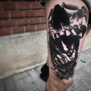 Selfmade Tattoo Berlin Kristof Tito Kondrat skull hand face schaedel mann