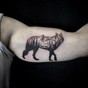 Wolf, nature, dotwork, fineline, minimalistic Bartek, Szulc, Selfmade, Tattoo, Berlin, Vegan, Realistic, Walkin,