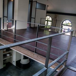 Herstellen der Bodenbeläge einer Galerie