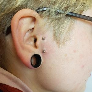 David, Detre, Selfmade, Tattoo, Berlin, Piercing, Piercer, surface, tragus