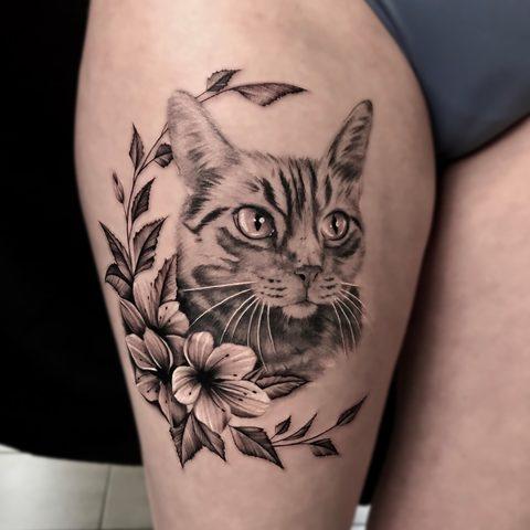 Bartek, Szulc ,Selfmade, Tattoo, Berlin, Vegan, Realistic, Fineline, Portrait, Katze, Cat, Blume, Flower