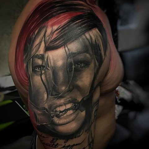 Selfmade Tattoo Berlin Kristof Tito Kondrat kinky chain portrait trash polka