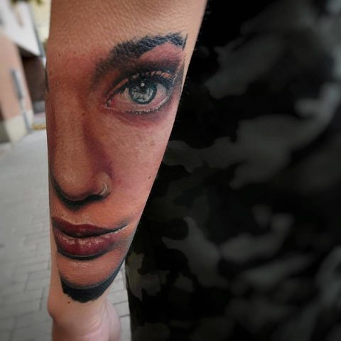 Selfmade Tattoo Berlin Kristof Tito Kondrat portrait color face eye mouth
