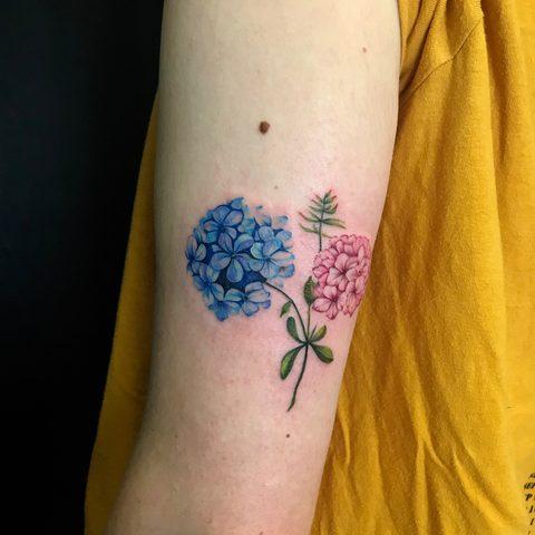Bartek, Szulc, Selfmade, Tattoo, Berlin, Vegan, color, realistic, girl tattoo, nature, flower, blume