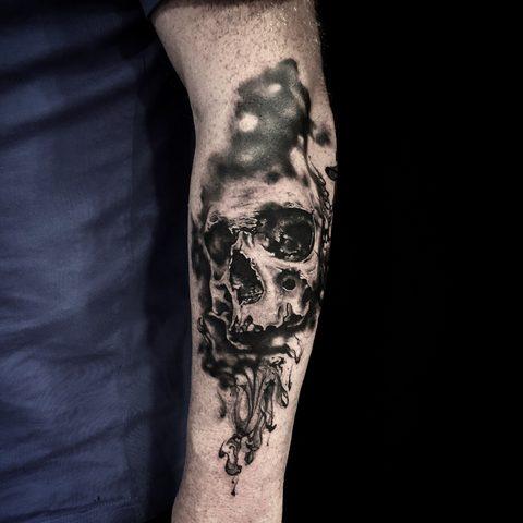 Bartek, Szulc, Selfmade, Tattoo, Berlin, Vegan, Realistic, Walkin, Skull, Totenkopf, Schaedel, forearm