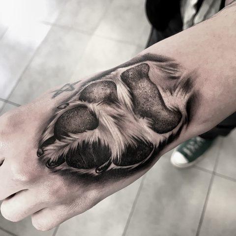 Bartek, Szulc, Selfmade, Tattoo, Berlin, Vegan, Realistic, Fineline, Paw, Pfote, Hund