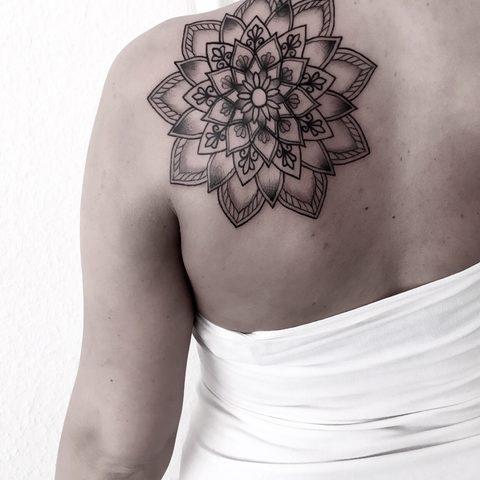 Hanna, Leah, Selfmade, Tattoo, Berlin, Vegan, Walkin, Mandala, Dot work, Shading