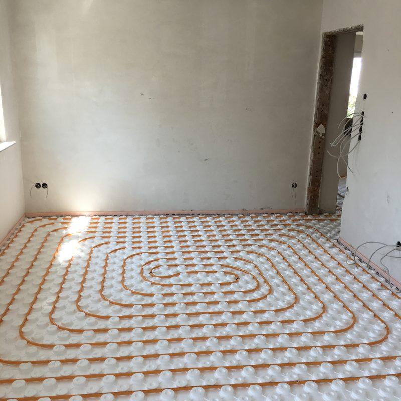 Verlegung einer Fußbodenheizung